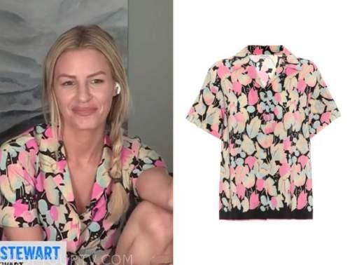morgan stewart, E! news, daily pop, pink and black printed shirt