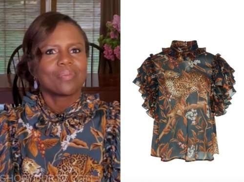 deborah roberts, good morning america, tiger print top
