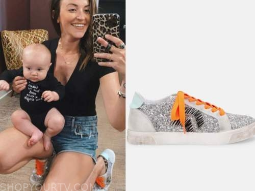 tia booth, silver and orange sneakers, the bachelor
