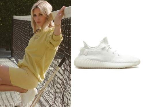 morgan stewart, E! news, white sneakers