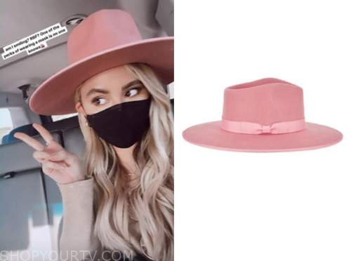 amanda stanton, pink hat, the bachelor