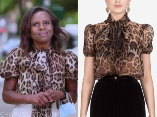 deborah roberts, good morning america, leopard blouse