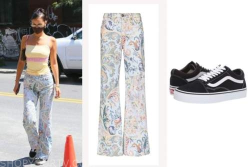 bella hadid, paisley pants, black tennis shoes