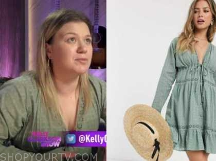 kelly clarkson, green lace trim dress, the kelly clarkson show