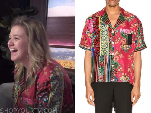 kelly clarkson, the kelly clarkson show, red mixed print short sleeve shirt