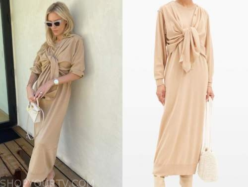 morgan stewart, E! news, beige cardigan sweater dress