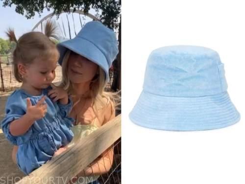 lauren burnham, the bachelor, blue bucket hat