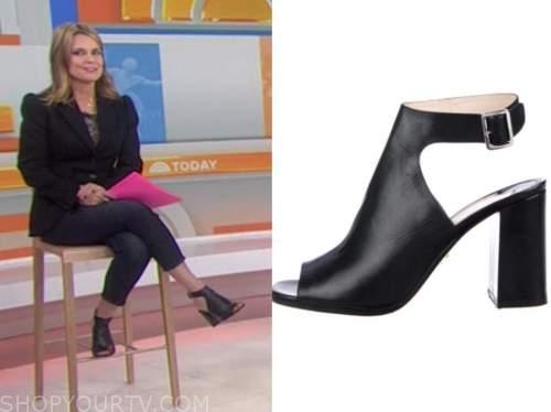 savannah guthrie, the today show, black peep toe booties