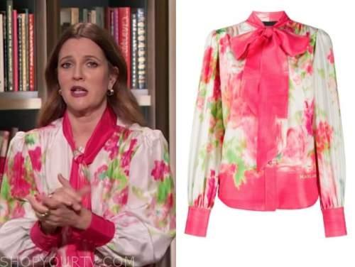 drew barrymore, drew barrymore show, pink floral tie neck blouse