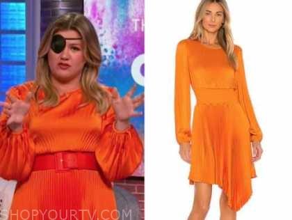 kelly clarkson, the kelly clarkson show, orange pleated dress