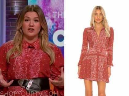 kelly clarkson, kelly clarkson show, red bandana print shirt dress
