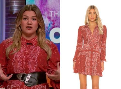 kelly clarkson, kelly clarkson show, red bandana print shirt dress