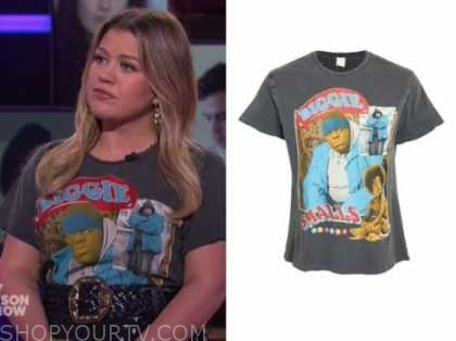 kelly clarkson, the kelly clarkson show, biggie smalls tee