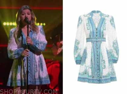 kelly clarkson, the kelly clarkson show, blue and white paisley dress