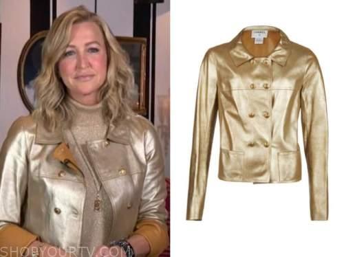 lara spencer, good morning america, gold leather jacket