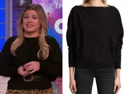 kelly clarkson, the kelly clarkson show, black boatneck button sweater