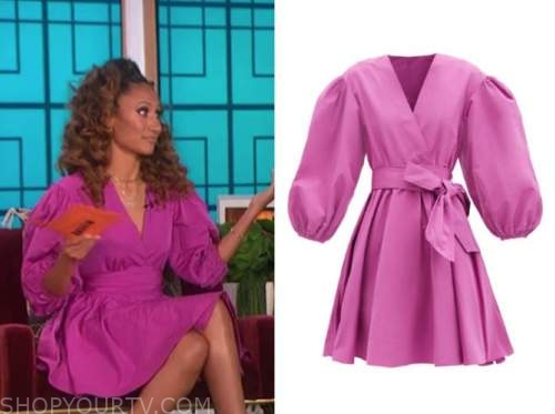 elaine welteroth, the talk, purple pink puff sleeve dress
