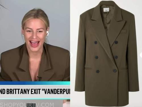 morgan stewart, olive green jacket, E! news, daily pop