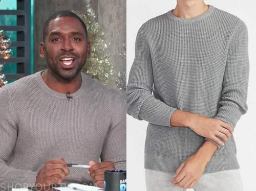 justin sylvester, E! news, daily pop, grey waffle knit sweater