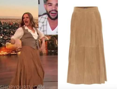 drew barrymore, drew barrymore show, brown suede midi skirt