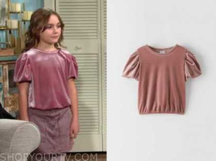 katie abbott, the young and the restless, Sienna Mercuri, pink velvet top
