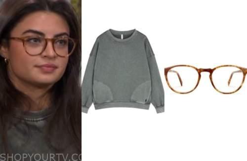 rachael kirkconnell, the bachelor, grey sweatshirt, brown glasses