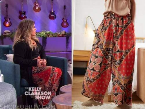 kelly clarkson, the kelly clarkson show, red paisley wide leg pants