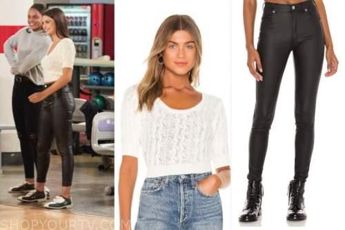 rachael kirkconnell, white short sleeve sweater top, black jeans, the bachelor