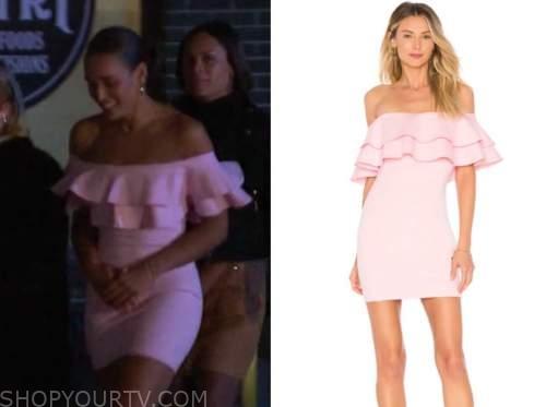 pieper james, the bachelor, blush pink ruffle off-the-shoulder dress