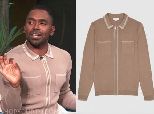 justin sylvester, E! news, daily pop, beige knit polo shirt