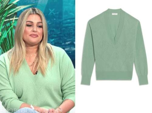 carissa culiner, E! news, daily pop, mint green v-neck sweater