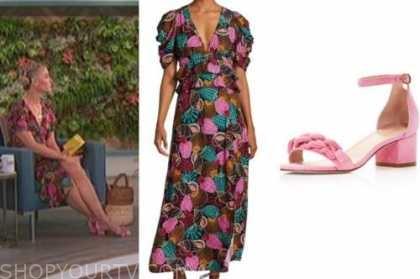 amanda kloots, the talk, shell print midi dress, pink chain sandals
