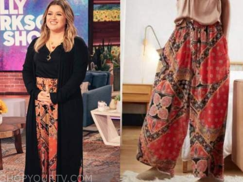 the kelly clarkson show, kelly clarkson, red orange printed wide leg pants