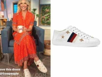 amanda kloots, the talk, white sneakers