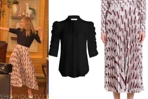 live with kelly and ryan, kelly ripa, black top, pink pleated skirt