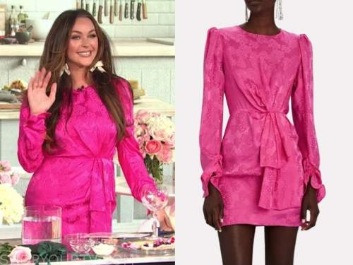 courtney sixx, E! news, daily pop, pink jacquard satin dress