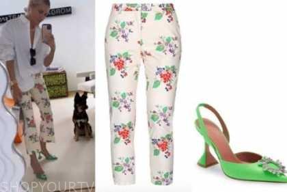morgan stewart, ivory floral pants, green heels, black sunglasses