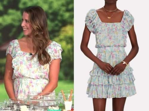 kelly senyei, floral tiered dress, E! news, daily pop