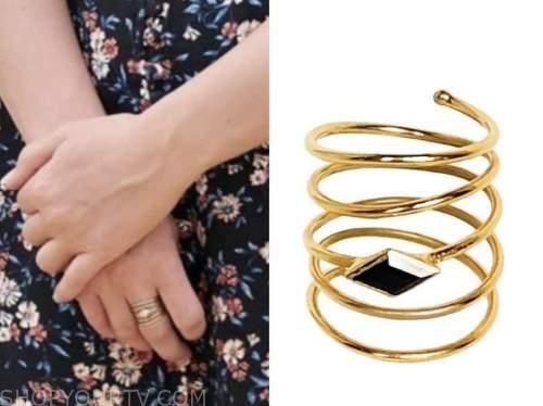 the bachelorette, katie thurston, accordion ring