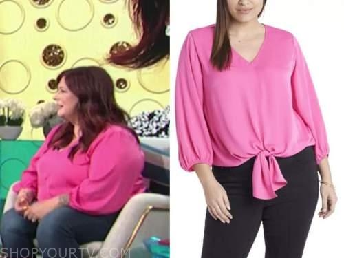 carnie wilson, E! news, daily pop, hot pink top