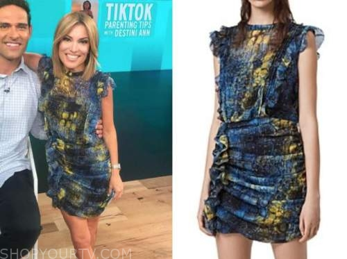 kit hoover, access daily, access hollywood, blue and yellow snakeskin ruffle dress