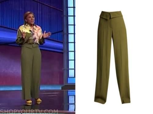 robin roberts, jeopardy, green pants