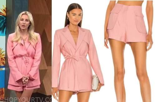 morgan stewart, E! news, daily pop, pink blazer and pink shorts