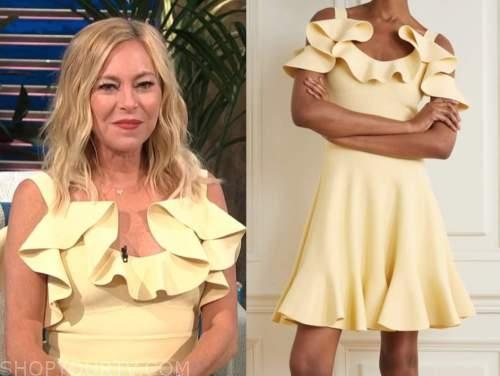 sutton stracke, E! news, daily pop, yellow knit ruffle dress