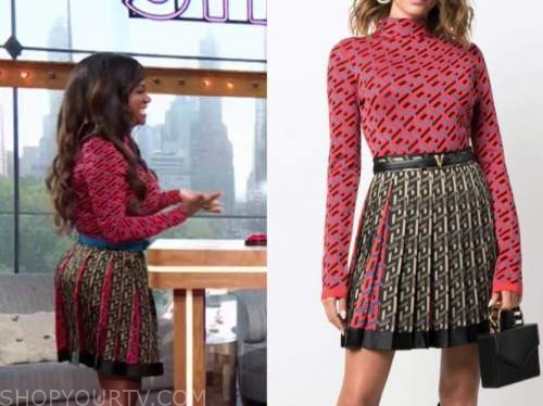 kandi burruss, the Kelly Clarkson show, pink turtleneck and pleated skirt