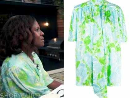 Deborah Roberts, good morning america, blue and green printed tie neck blouse