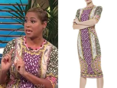 monique kelley, E! news, daily pop, paisley sheath dress